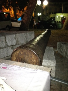 The cannon next to our table.