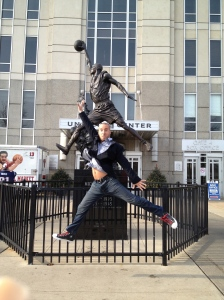 Expert statue reenactment! :-)