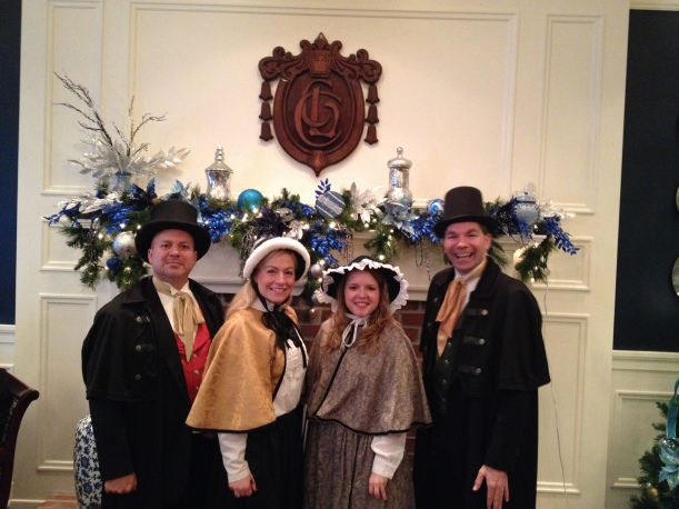 Olde Towne Carolers at the Lehigh Country Club