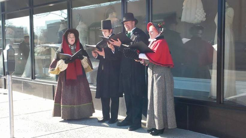 Olde Towne Carolers at Suburban Square
