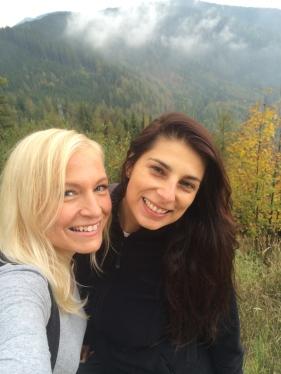 Roomie selfie on the mountain