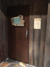 Hidden entrance to Trader Sam's Grog Grotto